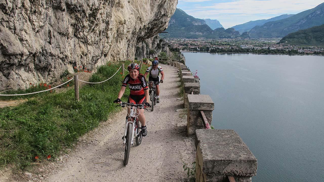 Cesta kolem jezera Garda