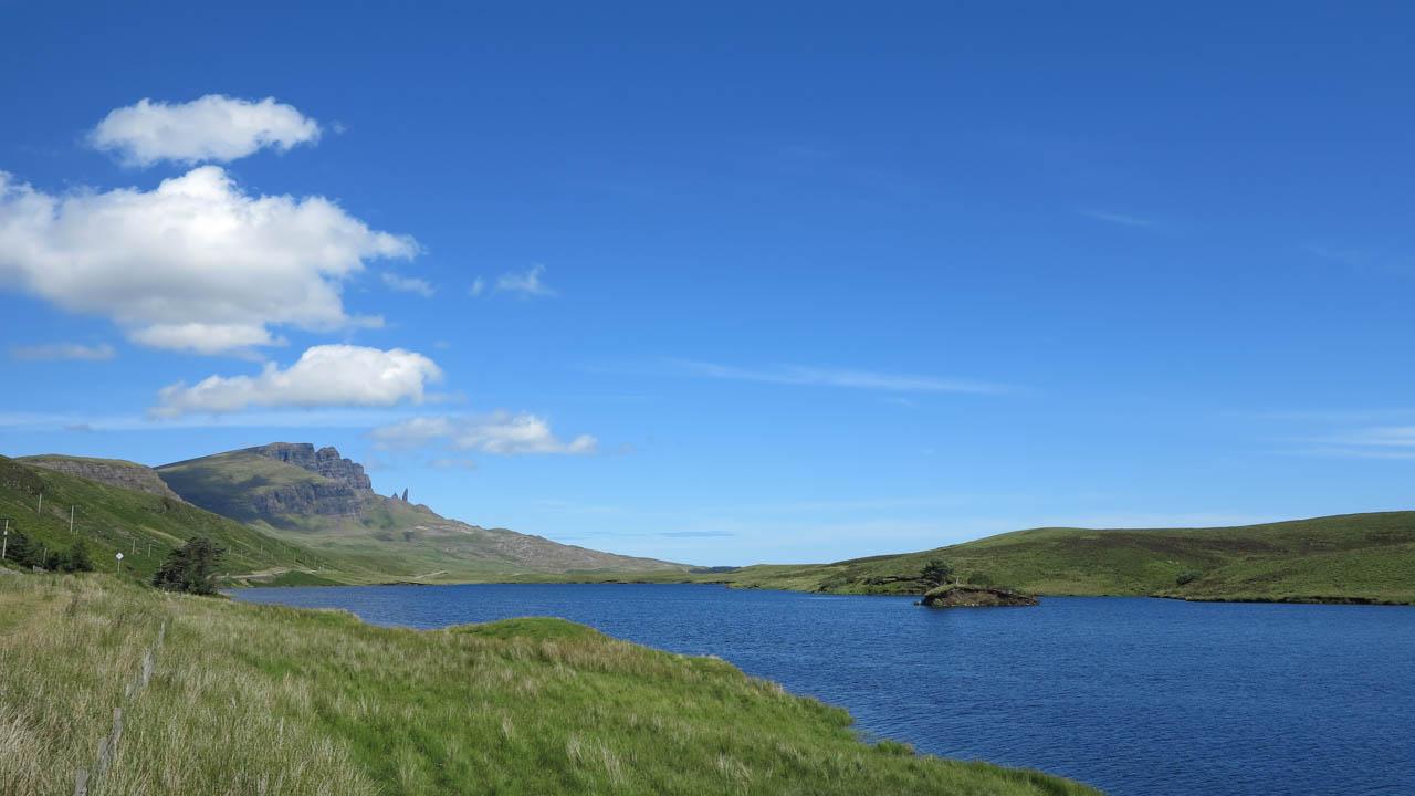 Jezero na ostrově Skye