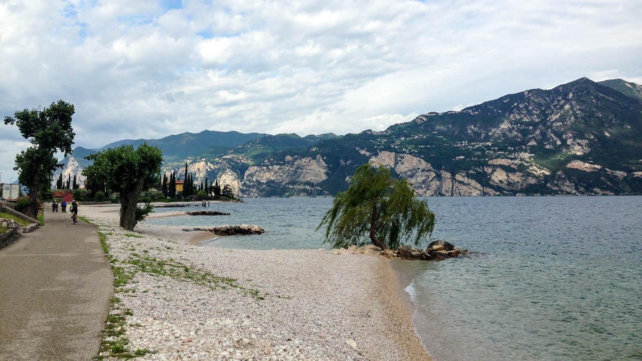 Lago di Garda na kole - pláž