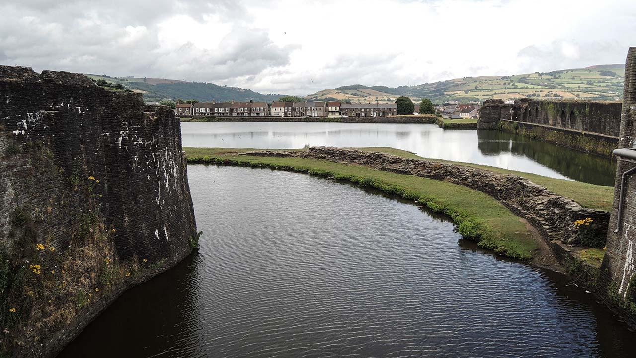 Caerphilly Castle - vodní příkop