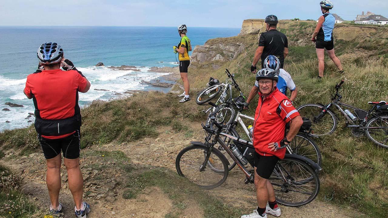 Anglie na kole - pobřeží Cornwallu