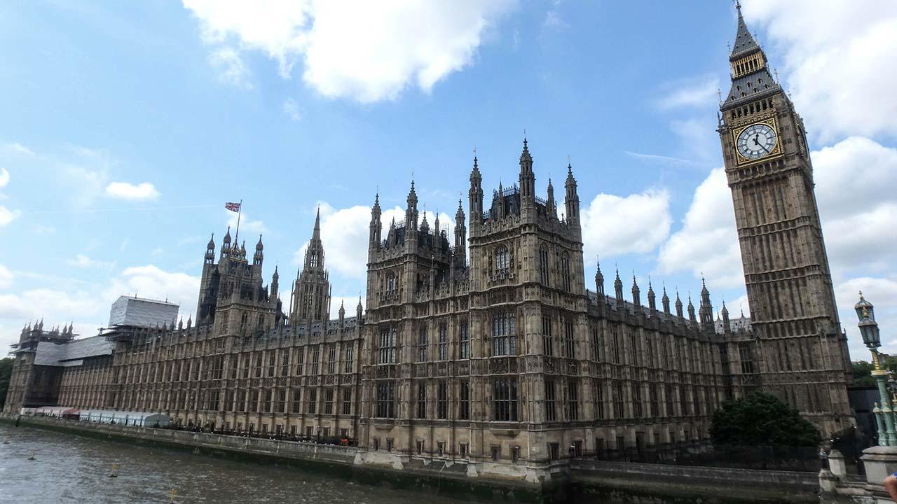 Big Ben a budovy parlamentu