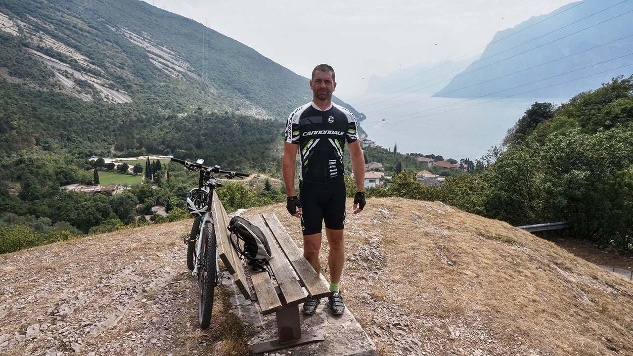 Výhled na jezero Garda