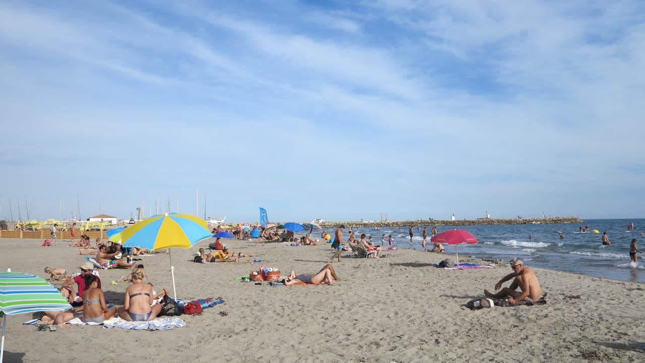 Pláž v Saintes-Maries-de-la-Mer