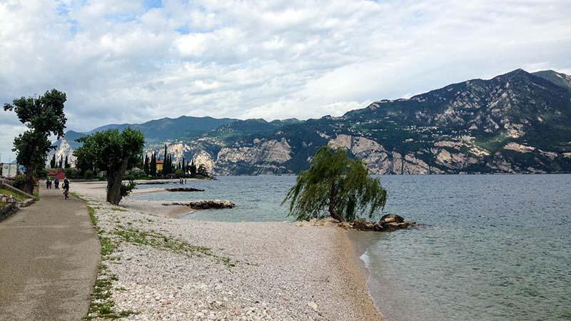 Pláž na Gardě
