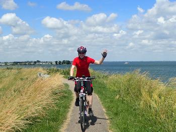 Holandsko na kole: Rovinkami za větrnými mlýny